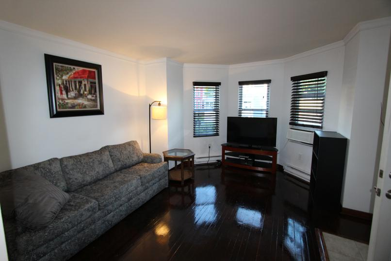 FURNISHED 1 BEDROOM APARTMENT GREENSBURG PA